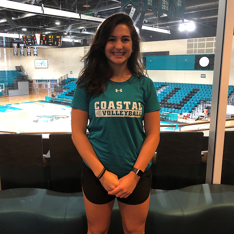 Lina plays volleyball for #CCU
