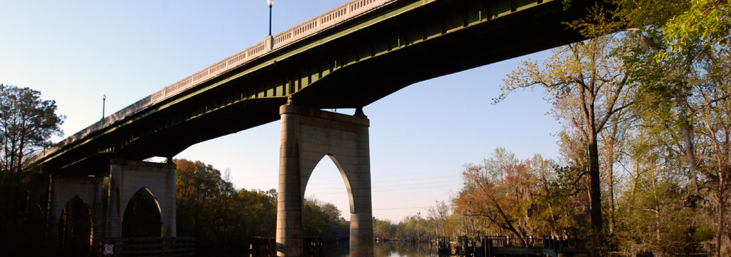 bridge over Waccamaw River in downtown Conway